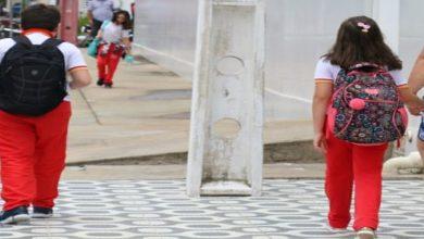 Photo of DAVI SALSA | Ortopedista do HE do Agreste faz alerta sobre peso de mochilas escolares