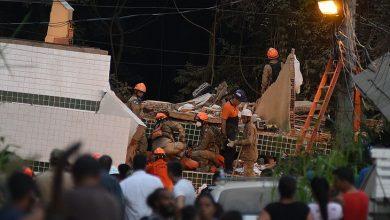 Photo of Retirada de escombros, menina perde pais e irmão em desabamento