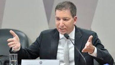 """Photo of Começa a caçada a Glenn: MP o denuncia por """"invasão de celulares de autoridades"""""""