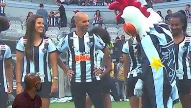 Photo of Mascote do Atlético-MG se desculpa após atitude machista com jogadora