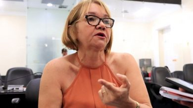 """Photo of """"Reformas podem levar educadores à condição de miséria"""""""
