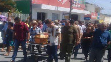 Photo of Ex. prefeito Jerônimo Dâmaso é sepultado ao som de um bom forró
