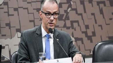 Photo of 'O ministro Mandetta é o grande orientador do país', diz chefe da Anvisa