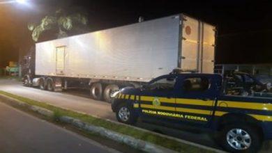 Photo of Condutor morre após tombamento de caminhão na BR 101; ladeira da morte
