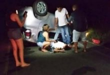Photo of Duas pessoas ficam feridas após capotamento de carro na AL 423