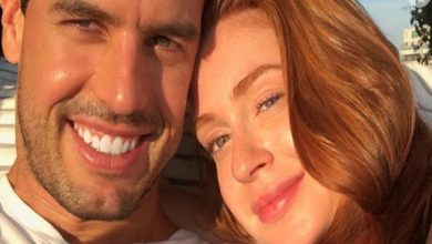 Photo of Marina Ruy Barbosa e marido esbanjam felicidade em foto na cama: 'Te amo'