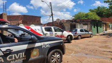 Photo of Polícia prende homens suspeitos de homicídio e tráfico de drogas em Maceió