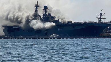 Photo of Explosão causa incêndio em navio da Marinha americana