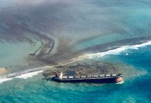 Photo of Navio naufragado despeja toneladas de óleo nas Ilhas Maurício