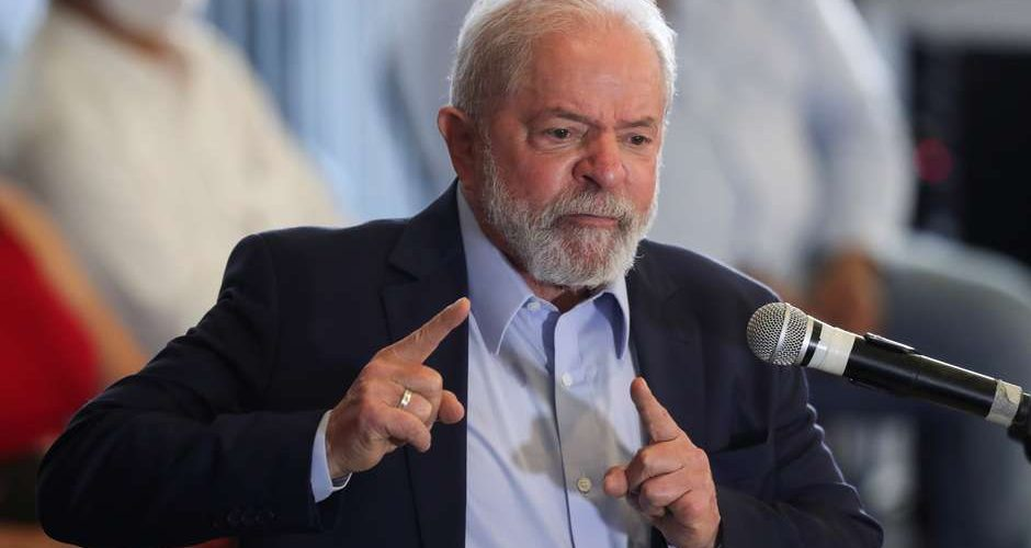2021-03-12T172710Z_1_LYNXMPEH2B1BH_RTROPTP_4_BRAZIL-POLITICS-LULA
