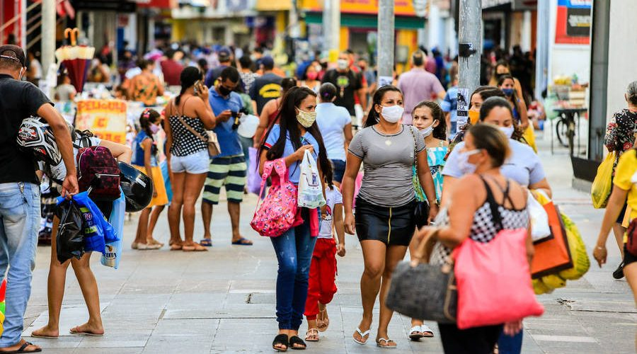 Maceió, 23 de julho de 2020  Movimentação de pessoas no centro do comércio de Maceió. Alagoas - Brasil. Foto: ©Ailton Cruz