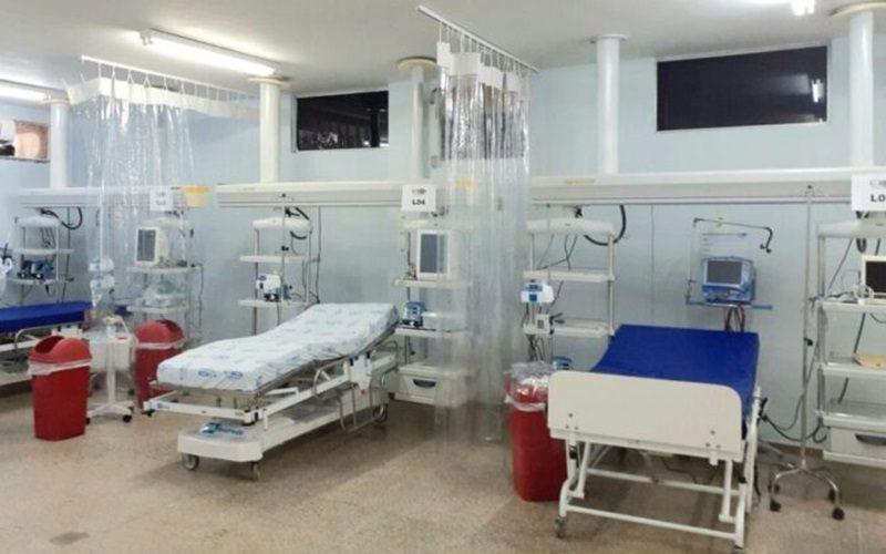 Comite-monitora-evolucao-das-internacoes-e-criacao-de-mais-20-novos-leitos-no-HEA-para-atender-pacientes-da-Covid-19_FOTO_Davi-Salsa-2-1024x656-1-673x431