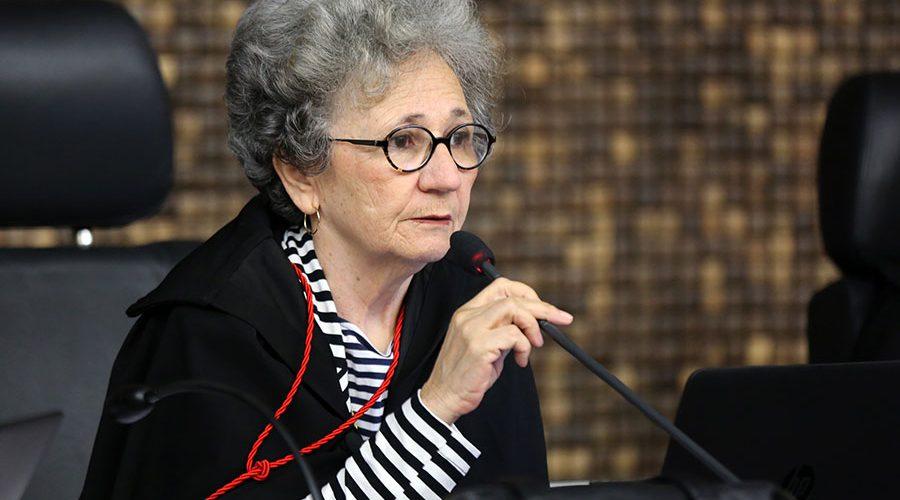DR. ELEIZABETH CARVALHO