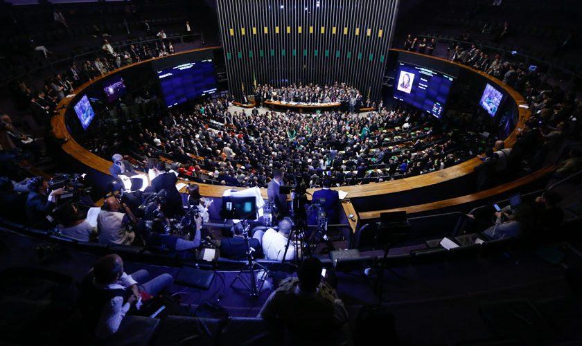Brasília(DF), 17/04/2016 - Votação do impeachment ao afastamento da presidenta Dilma Rousseff na Câmara dos Deputados - Geral do Plenário - Foto: Daniel Ferreira/Metrópoles