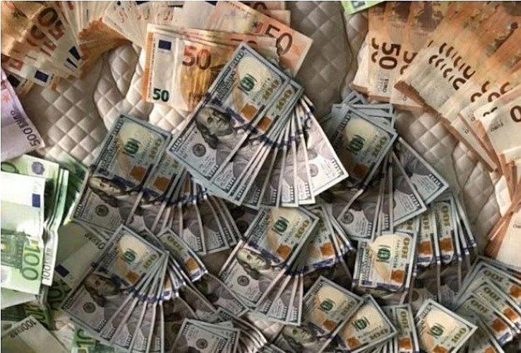csm_dinheiro_golpe_servidores_publicos_156624ab49